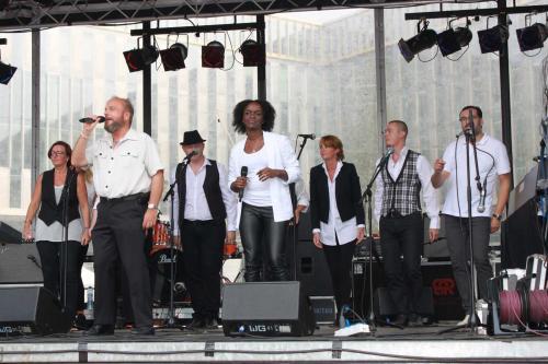 Optreden van het Soul Sound Choir op het Bijlmer gospel festival met Wolter en Priscilla als solisten.